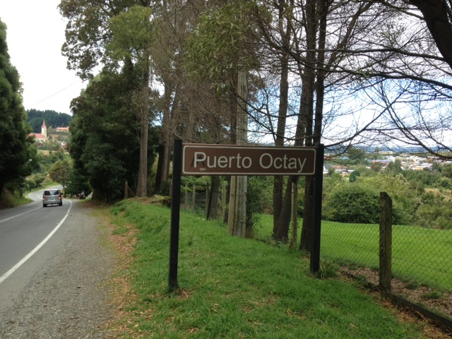 sign puerto octay
