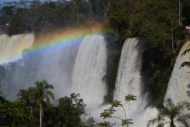 The Difference between Argentinian Iguazu Falls and Brazilian Iguazu Falls