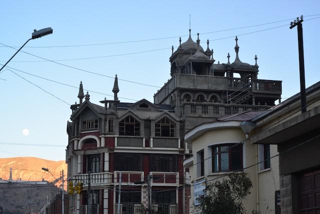 building in tupiza