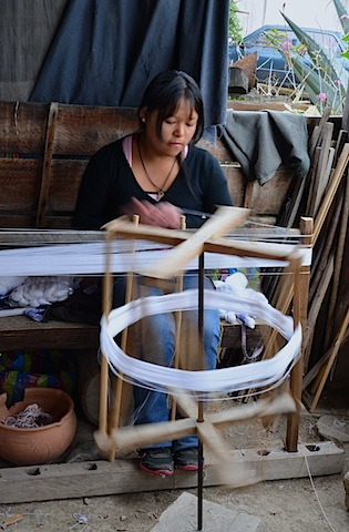 Ikat Weaving and Makana Shawl Making in Gualaceo Ecuador