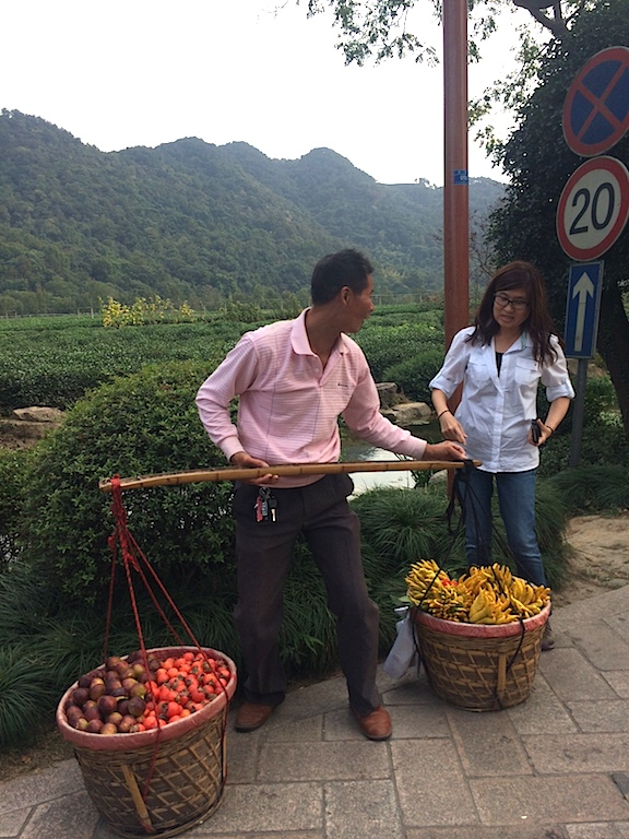 Local Fruits Seller in Hangzhou
