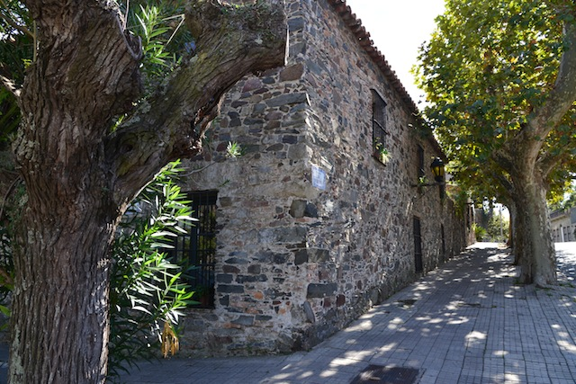More historic buildings in Colonia
