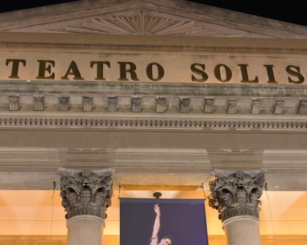 Teatro Solis at night