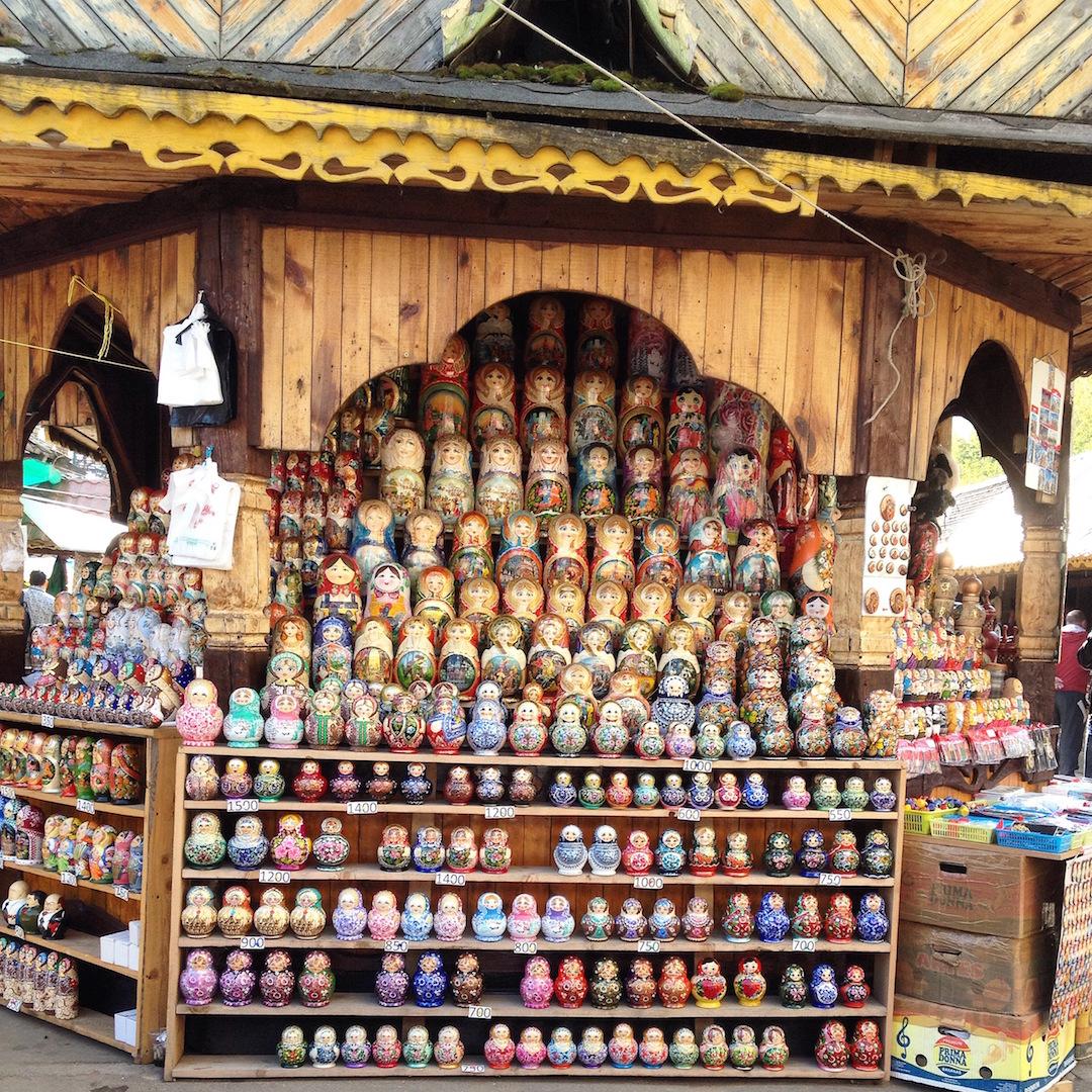 Izmailovsky Flea Market: The Best Souvenir Shopping Place in Moscow