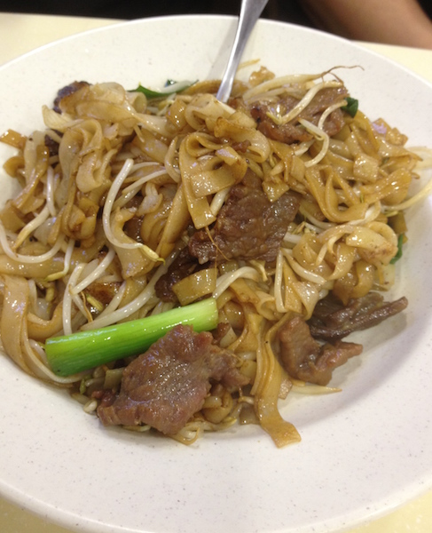 Pan fried flat noodles with beef