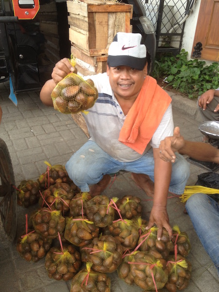 Vendor selling salaks