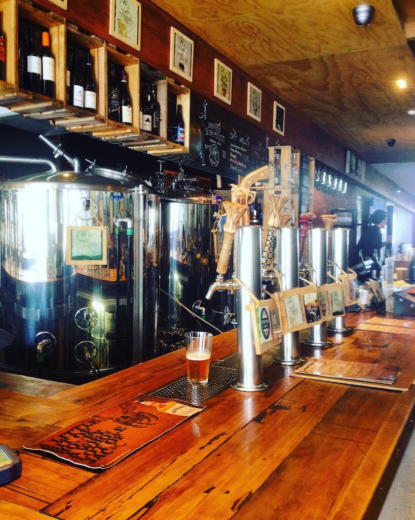 Deep Creek Brews and Eats: Auckland's Craft Beer and Barbecue Joint in Browns Bay