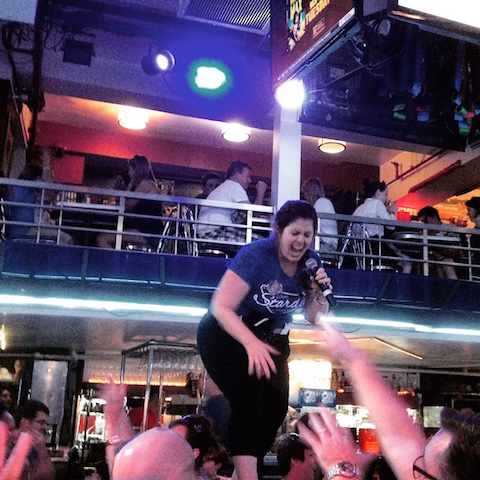 the singing waitstaff at Ellen Stardust Restaurant NYC
