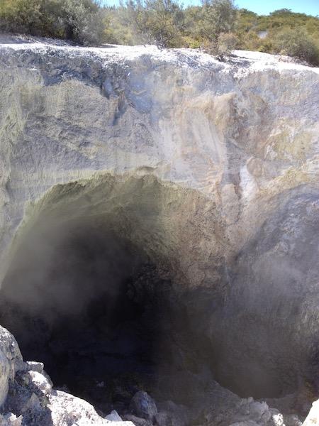 Rainbow Crater, Wai-O-Tapu, NZ