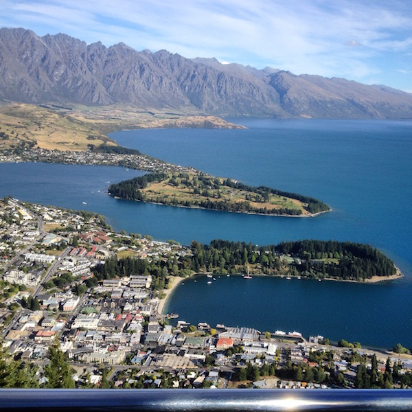 The lakes and mountains in Queenstown